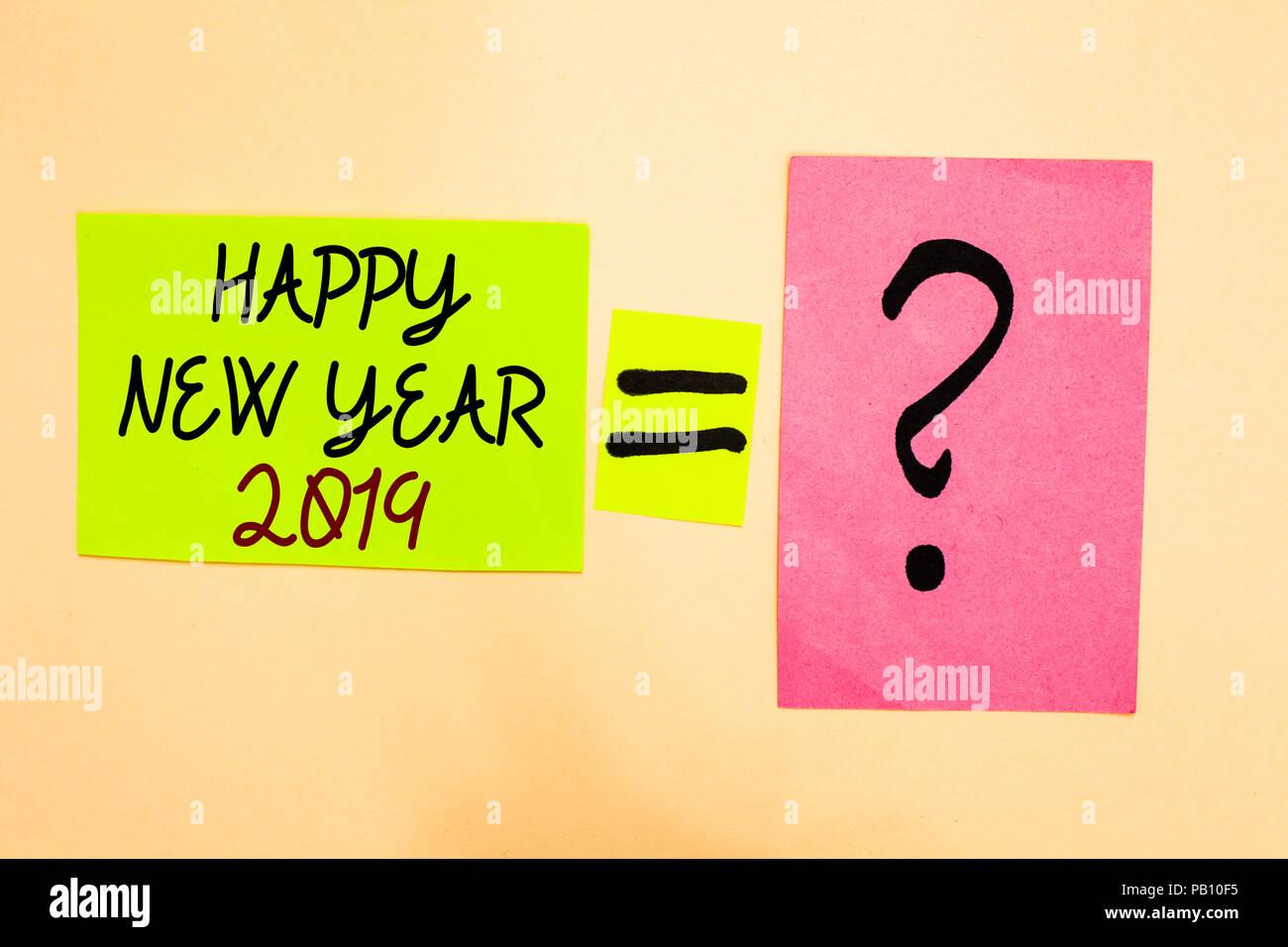 Schreiben Hinweis zeigt ein Frohes Neues Jahr 2019. Business foto ...