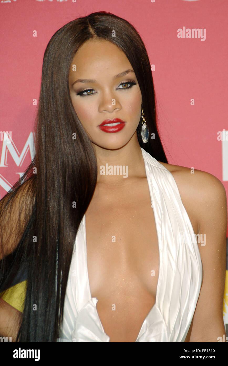 Rihanna ist datiert wer 2014