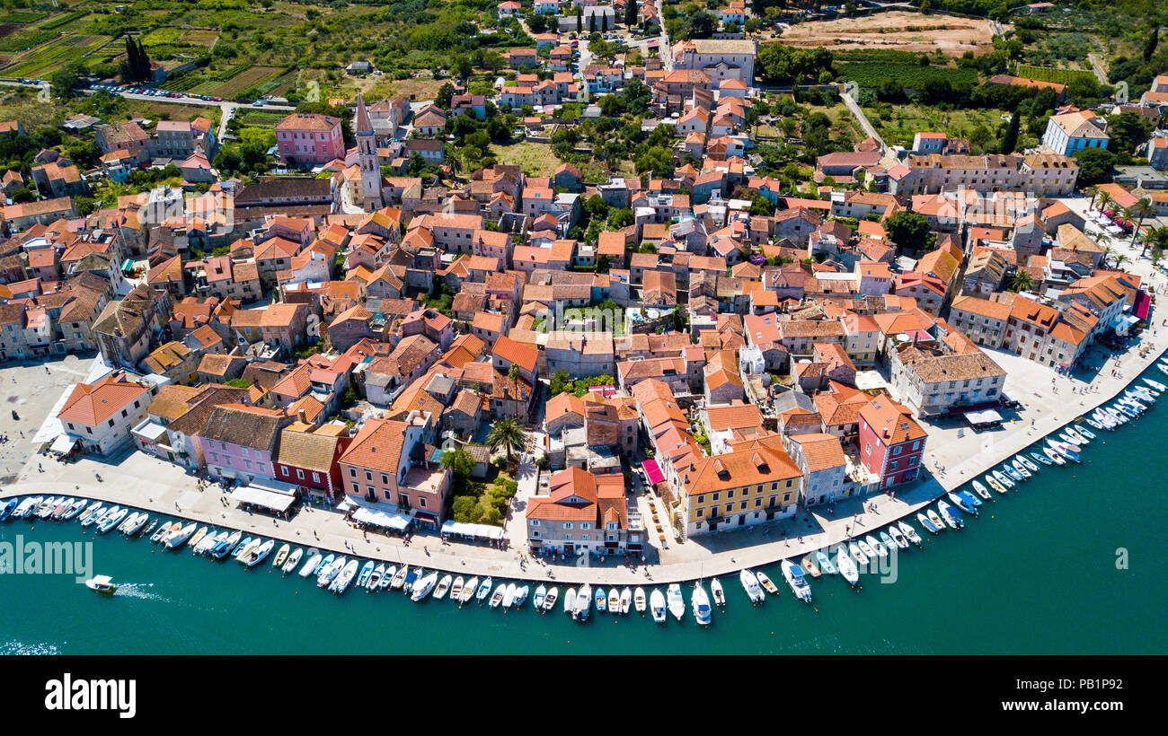 Luftbild der Altstadt von Stari Grad, Hvar, Insel Hvar, Kroatien Stockbild