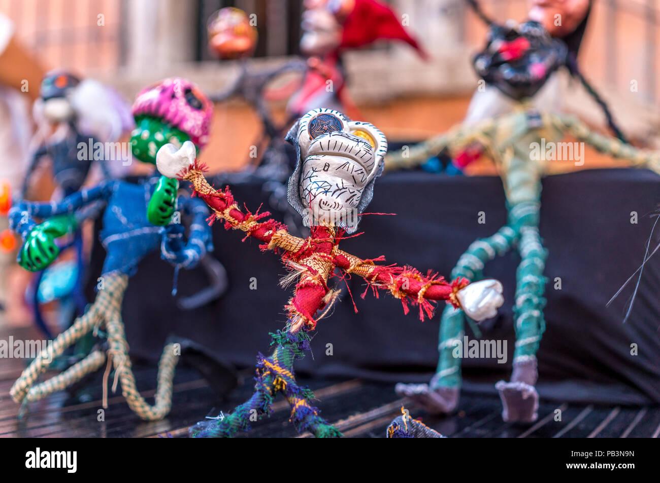 Bunte stick Figuren, die Dia de los Muertos Zeichen Stockbild