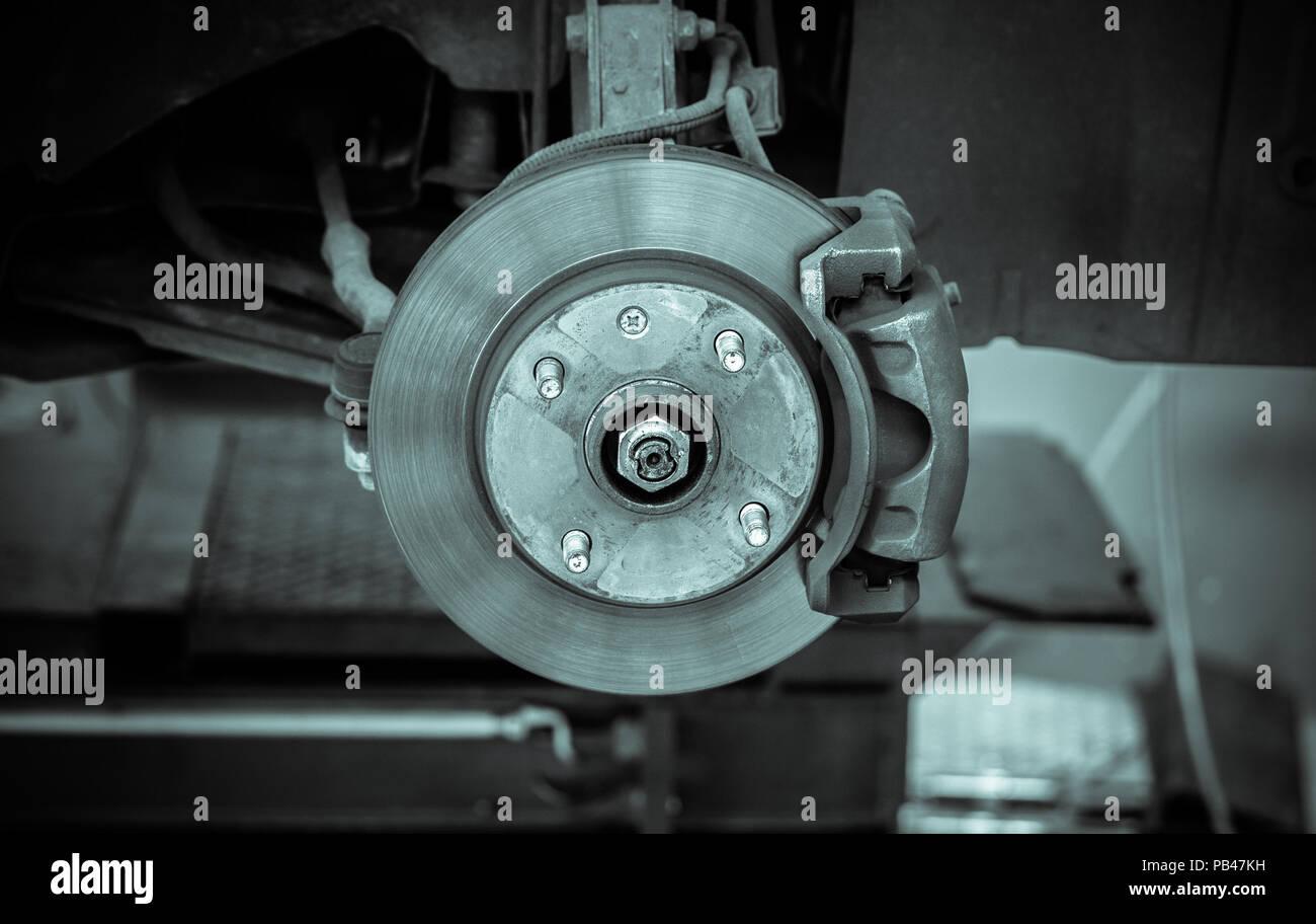Bremsscheibe und Detail der Radnabe - schwarze und weiße Filter Effekt Stockfoto