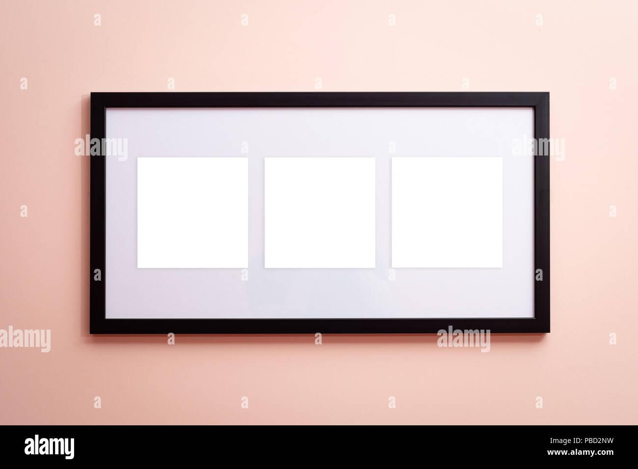 Eine leere Leinwand, schwarzen Rahmen Rahmen mit drei leeren Räume ...