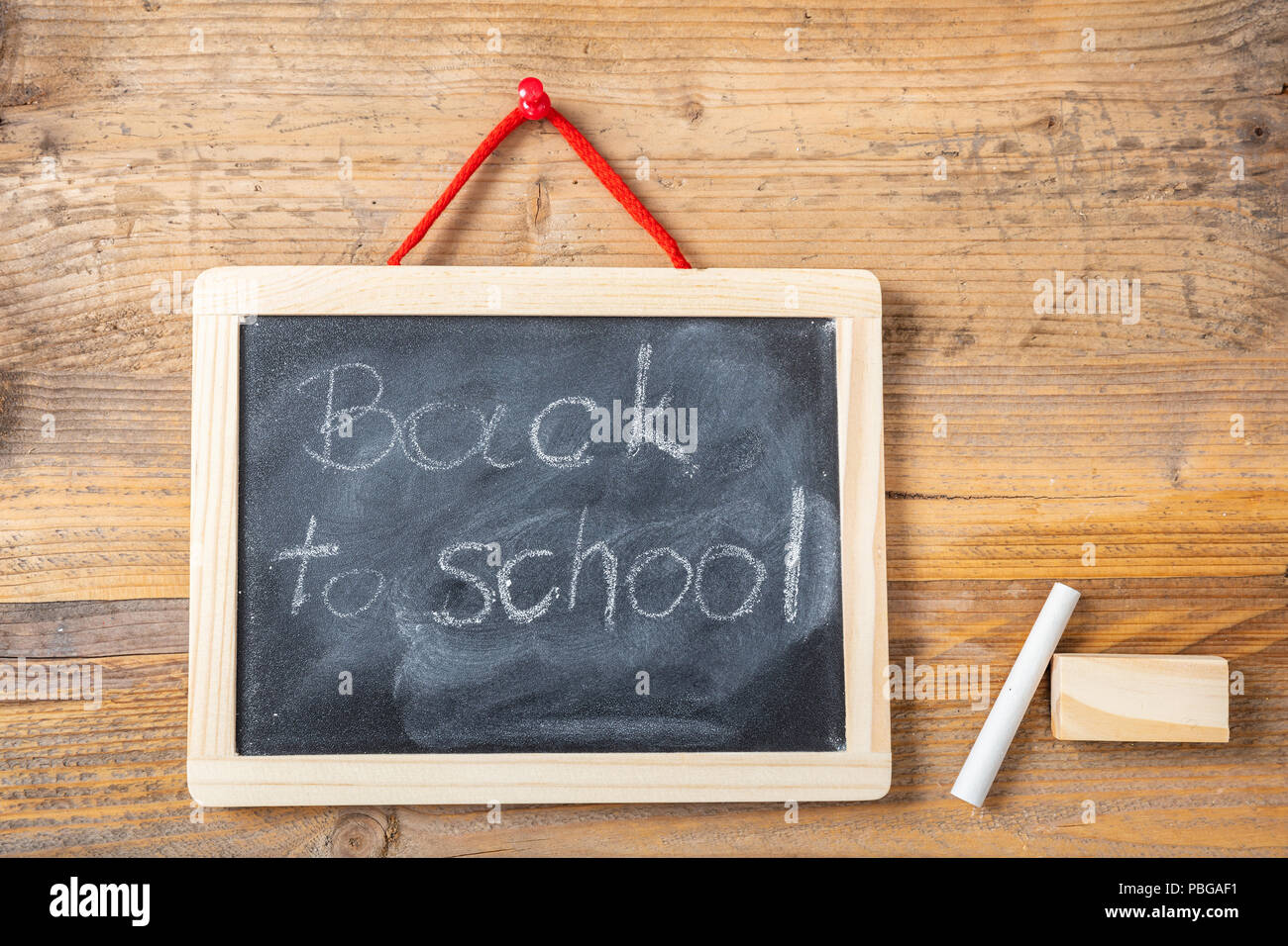 Zurück zu Zeichnung Schule auf Tafel mit Rahmen hängen an die ...