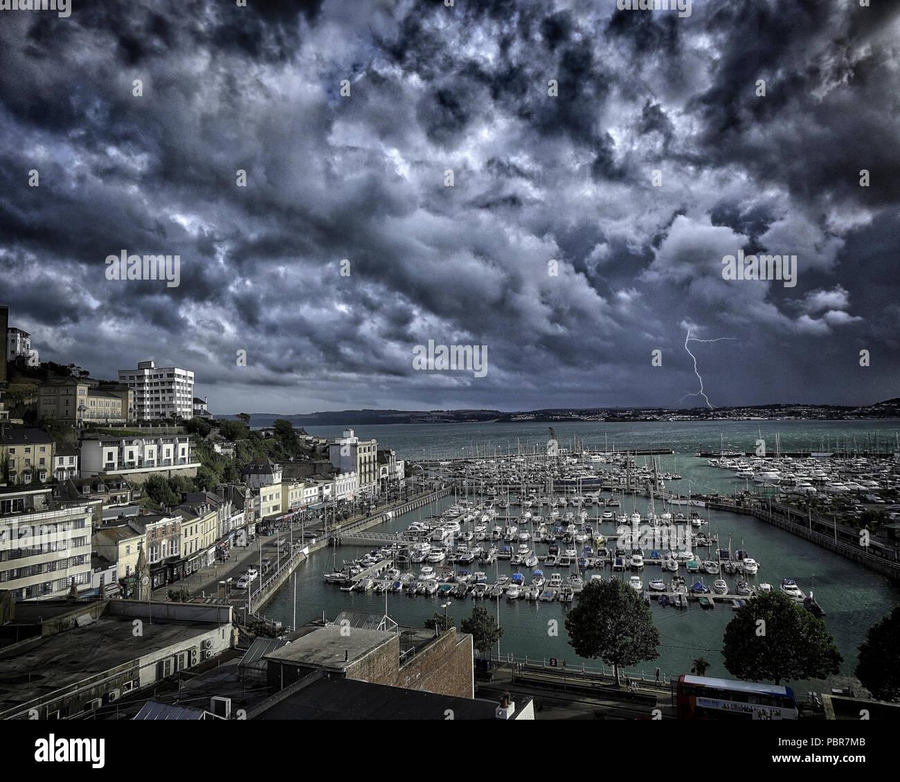 De - Devon: Sturm Torquay anfahren Stockbild