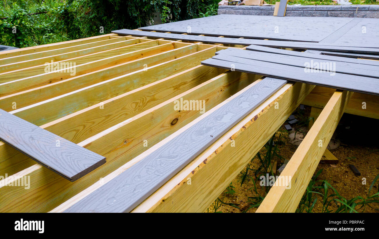 Holzfußboden Terrasse ~ Installation holzdeck terrasse holz fußboden für terrasse stockfoto