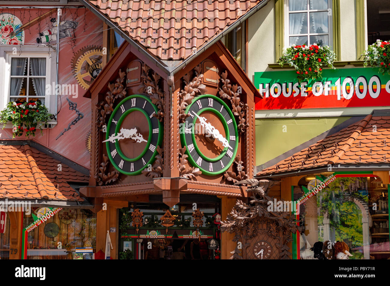 souvenir shop haus der 1000 uhren in triberg. Black Bedroom Furniture Sets. Home Design Ideas