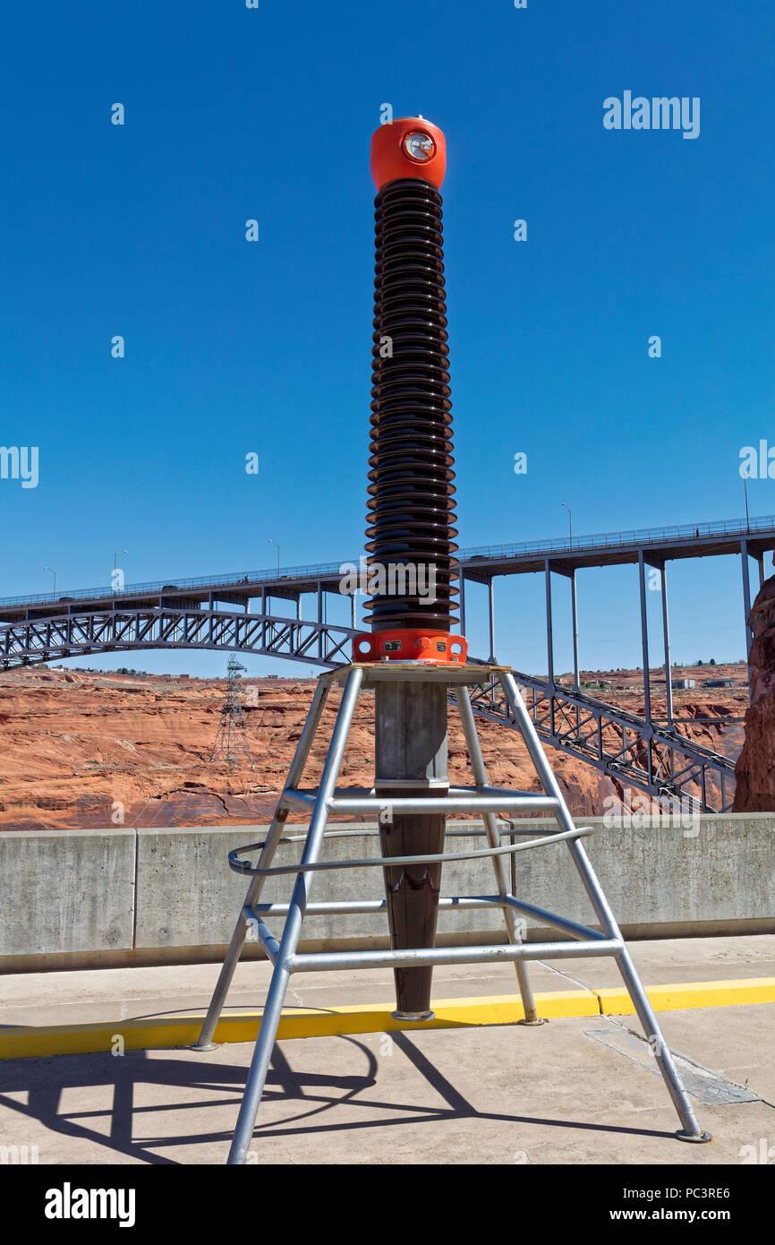Großer elektrischer Isolator - Glen Canyon Dam, Page, Arizona Stockbild