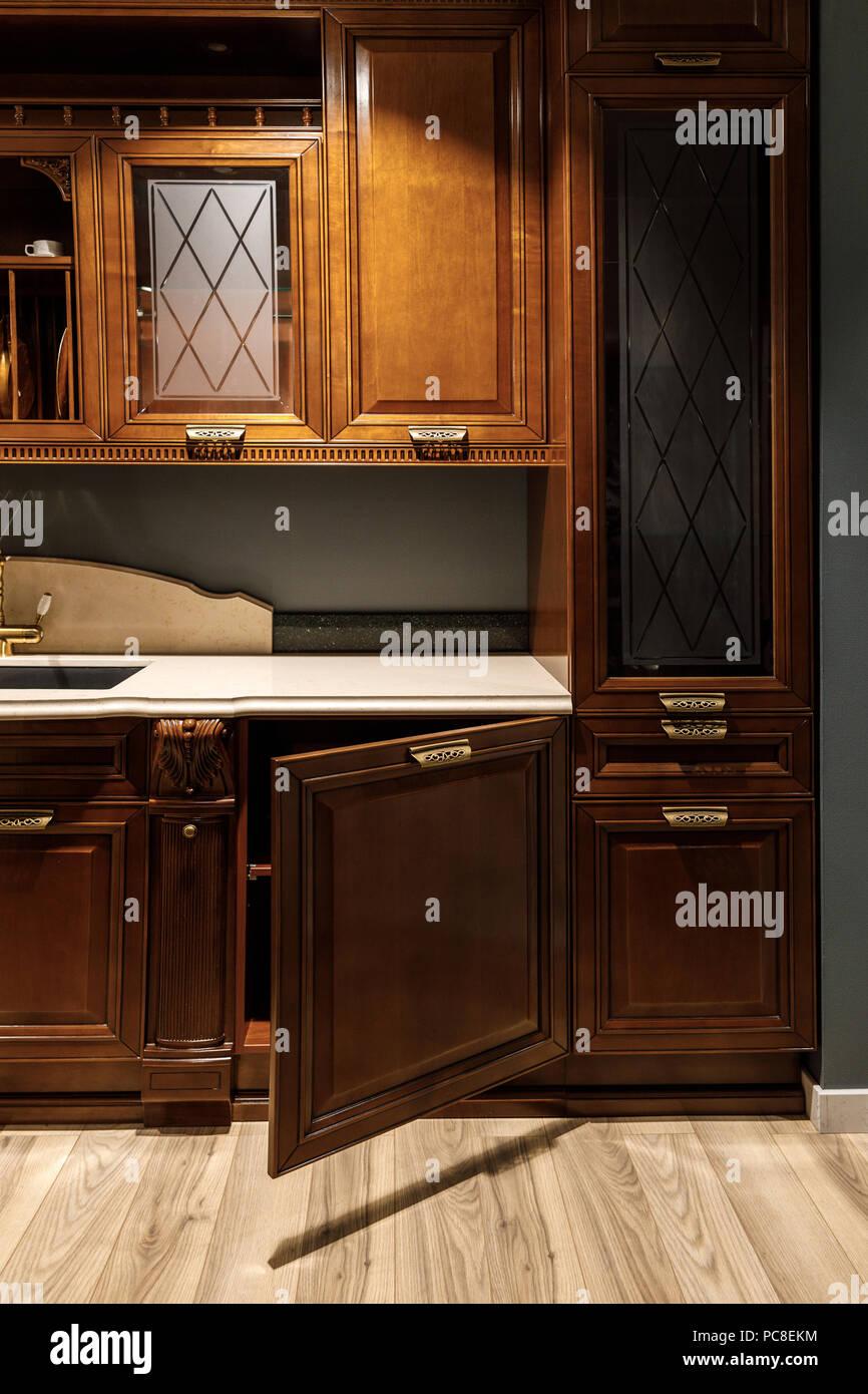 Innenraum der Küche mit stilvollem Design mit Vintage Style ...