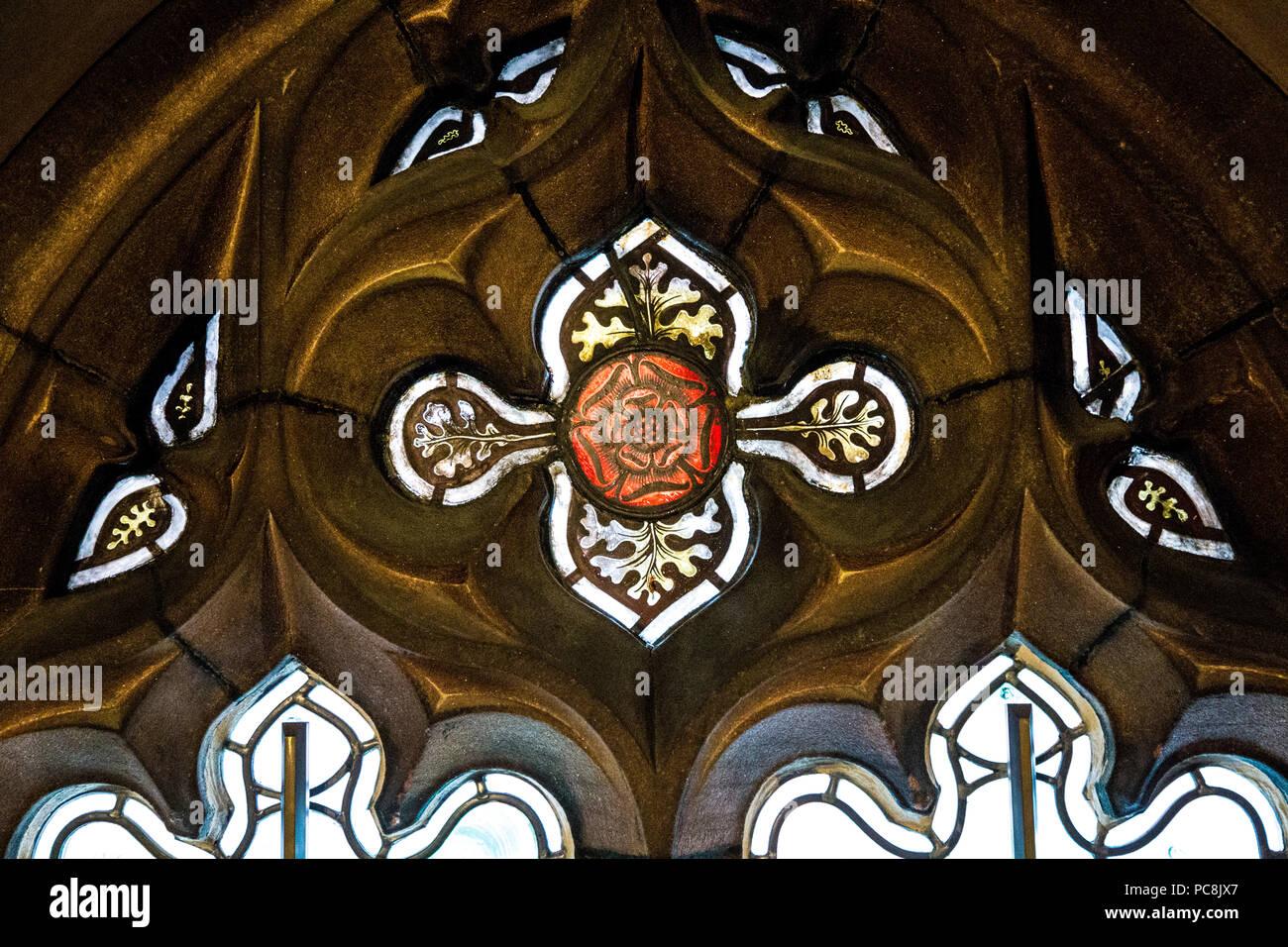 Victorian Window Frame Stockfotos & Victorian Window Frame Bilder ...