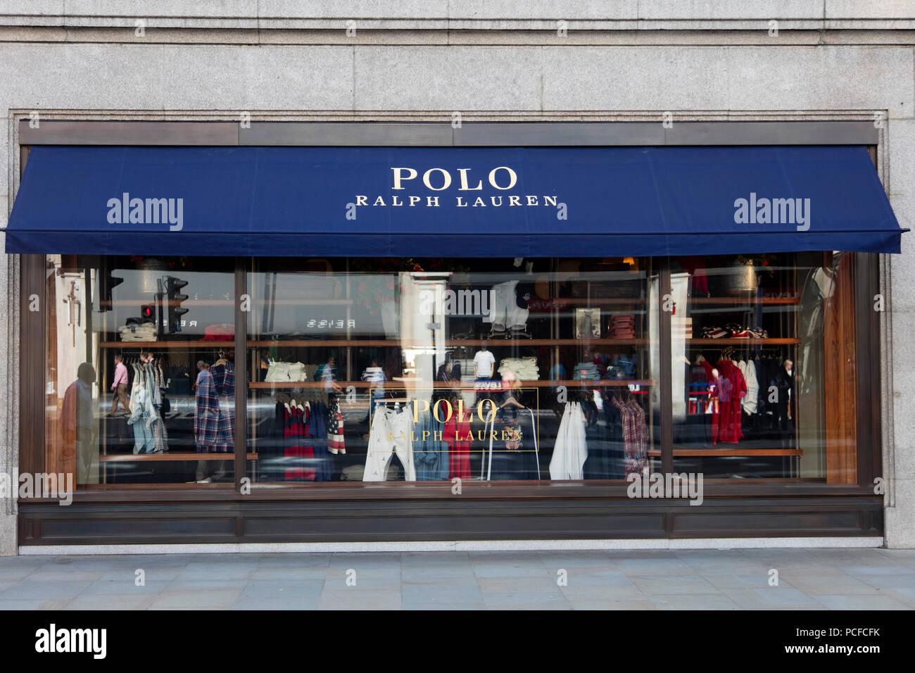 LONDON, Großbritannien - 31 JULI 2018  Polo Ralph Lauren Kleidung Shop an  der Regent a5371a525c