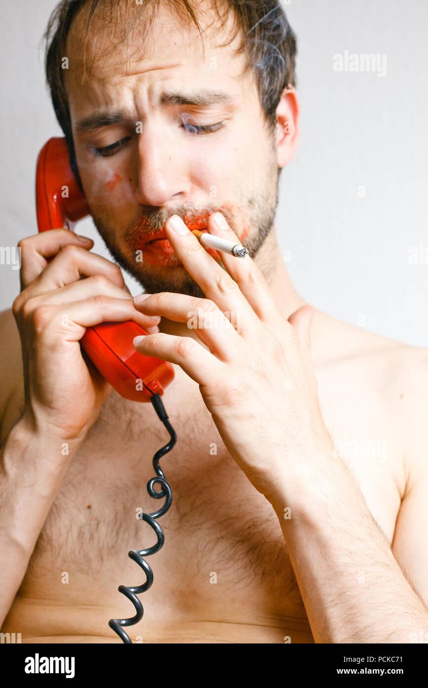 Humor, bizarre, am Telefon, Rauchen, freak Stockbild