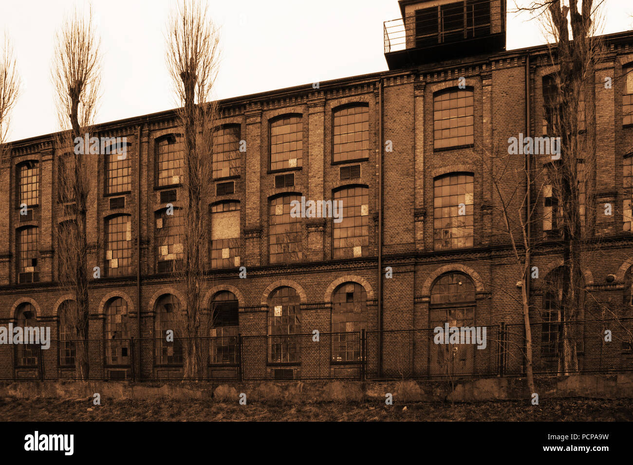 ruins view old abandoned factory stockfotos ruins view. Black Bedroom Furniture Sets. Home Design Ideas