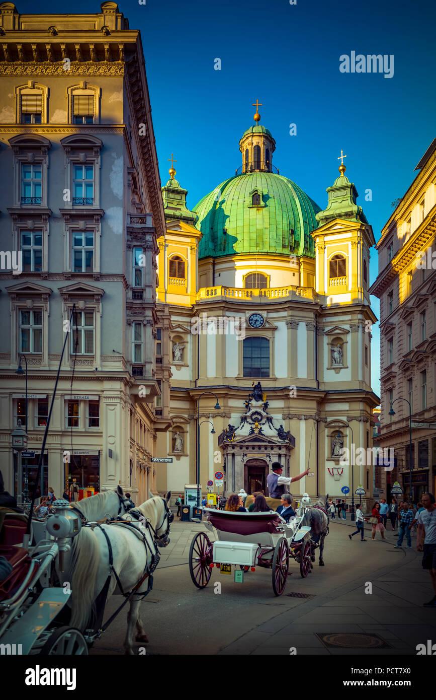 Europa, Österreich, Wien, Innere Stadt, Innenstadt, Jungferngasse, Petersplatz, Kirche, St. Peter, Wien, Österreich, Architektur, Kapital Stockbild