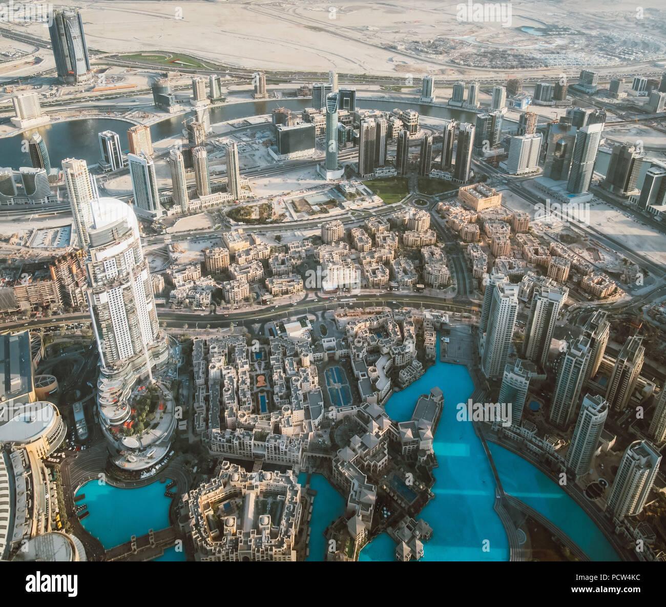 Schöne Aussicht von der Spitze der Skyline von Dubai - Vereinigte Arabische Emirate Stockbild