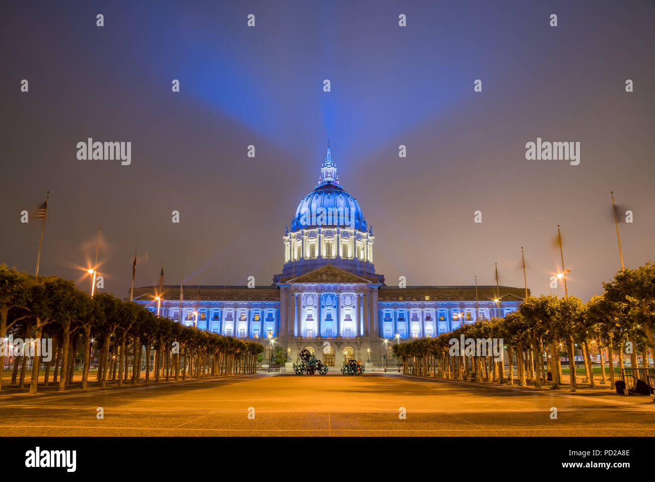 Nacht Blick auf das historische Rathaus von San Francisco, Kalifornien Stockfoto