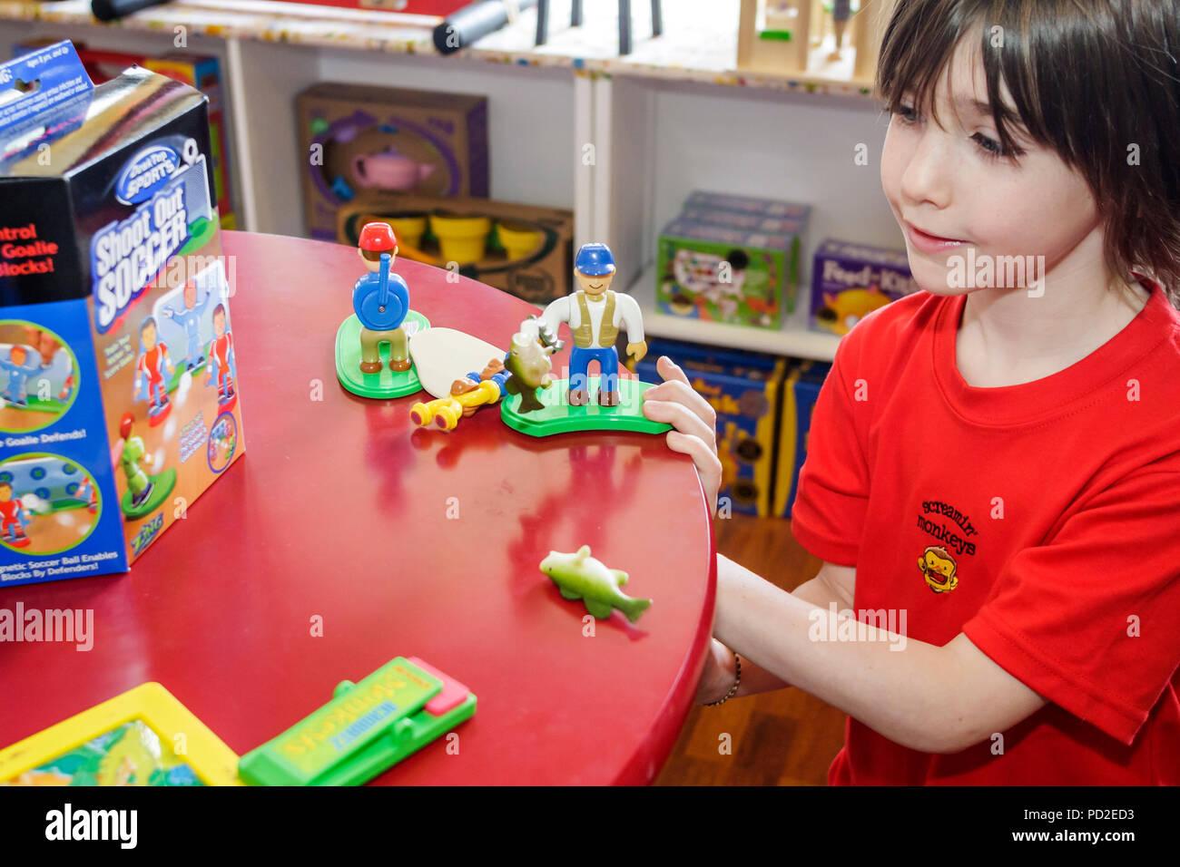 Action Figure Shop Stockfotos & Action Figure Shop Bilder - Alamy