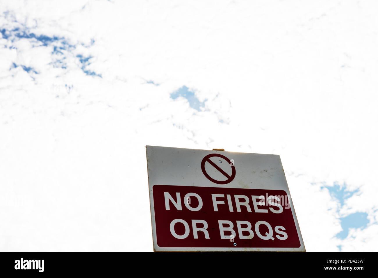 Gas Oder Holzkohlegrill Yorkshire : Keine bbqs stockfotos & keine bbqs bilder alamy