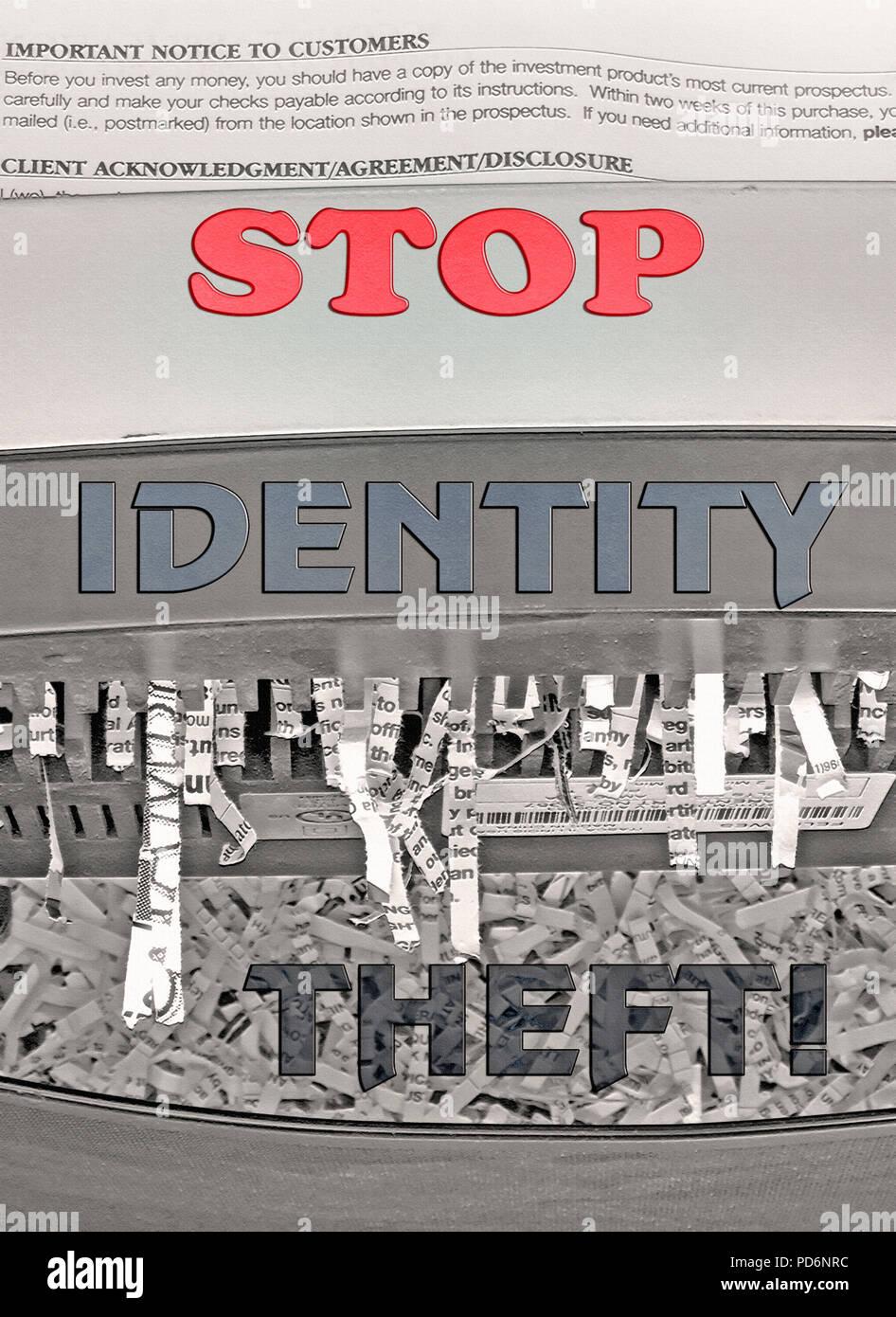 """Top Die Worte """"Identitätsdiebstahl"""" Fett und bunten Typ ist auf einem schwarz-weiß Foto eines housefhhold Shredder mit Bits von überlagert Stockbild"""