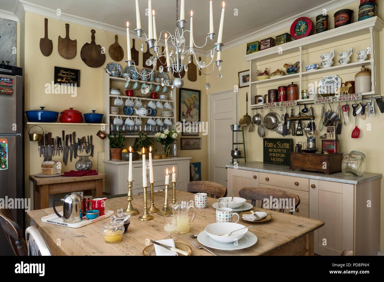 Gemütliche und rustikale Gefühl Küche mit Ikea Kronleuchter ...