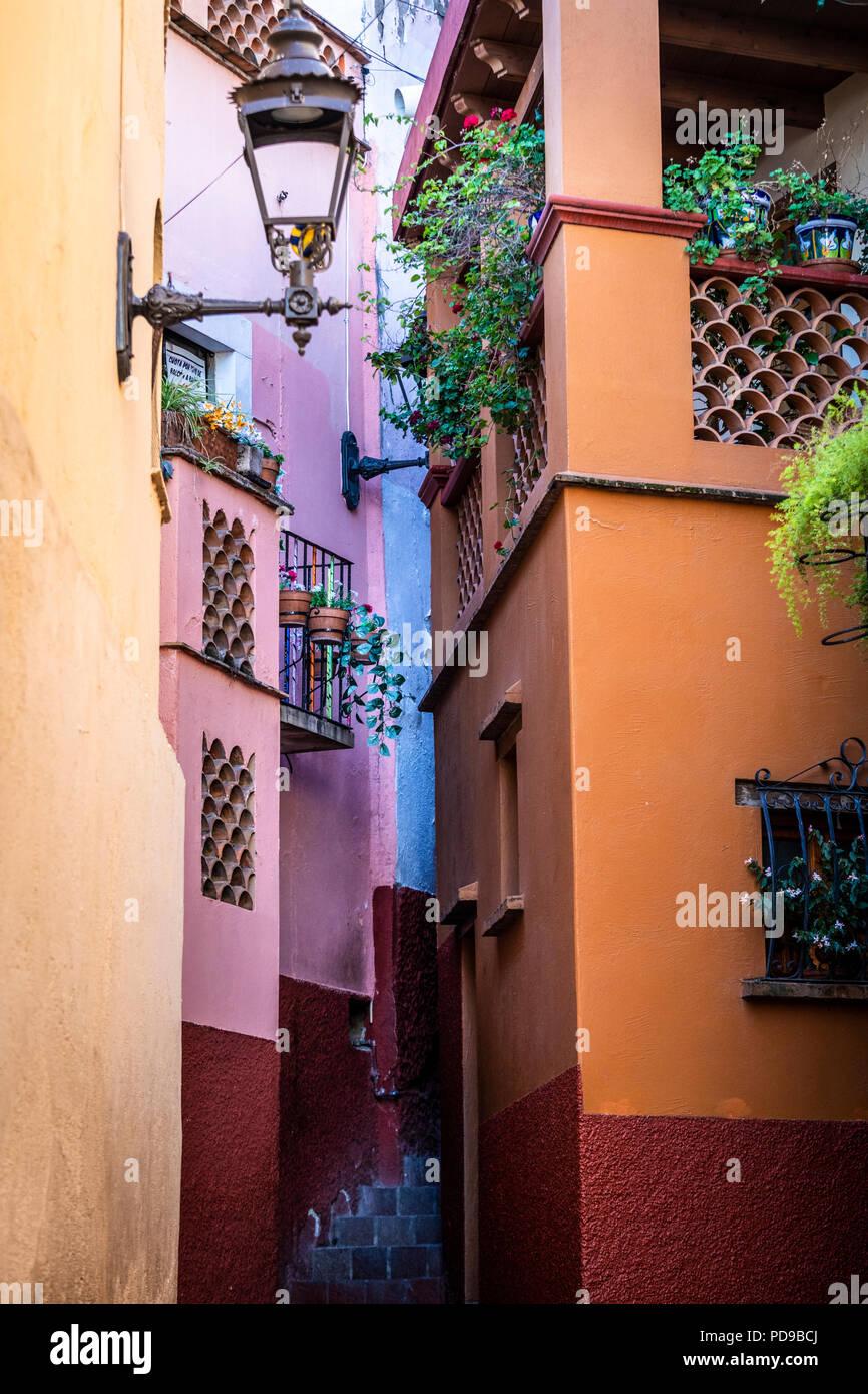 El Callejon de Beso, Guanajuato, Mexiko's Version von Romeo und Julia. Stockbild