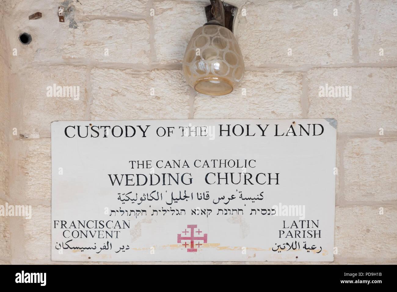 Zeichen Fur Die Franziskanische Cana Katholische Trauung Kirche In
