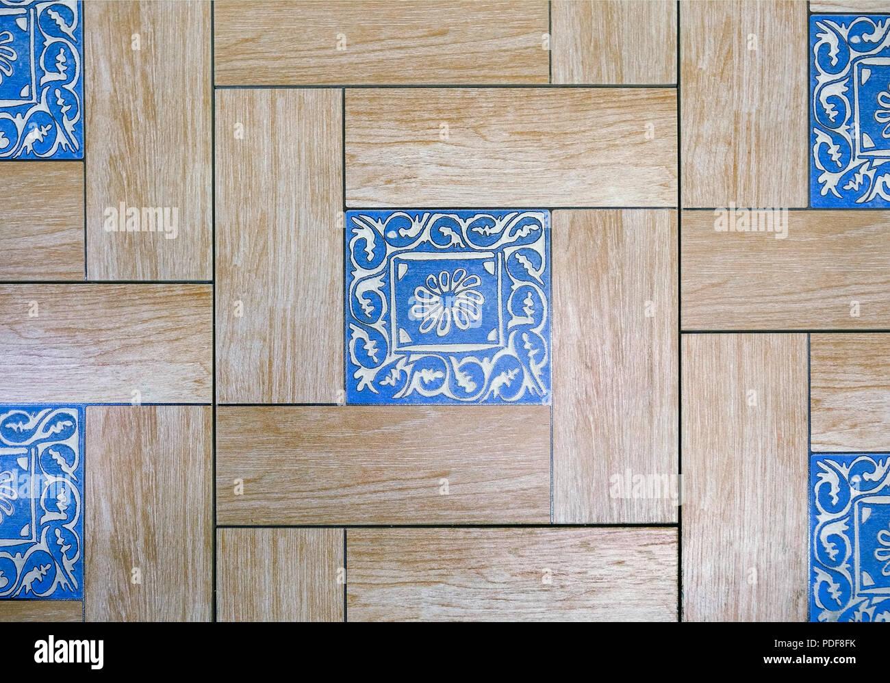 Keramikfliesen mit Ornamenten. Mosaik, Keramik Fliesen für ...