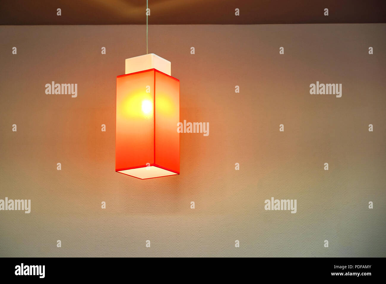 Weiss Lampenschirm In Schwarz Kafig Stoff Lampenschirm Auf Kassette