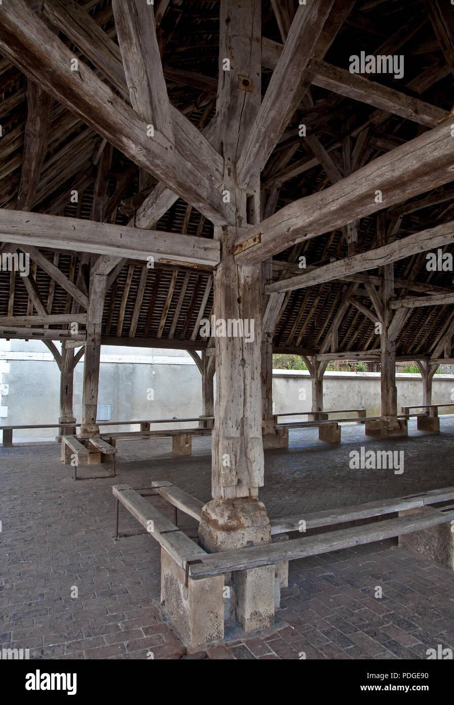 Seignealy. Markthalle Teilansicht von innen Stockbild
