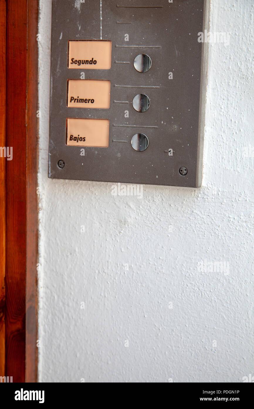 Spanisch Türsummer Stockbild