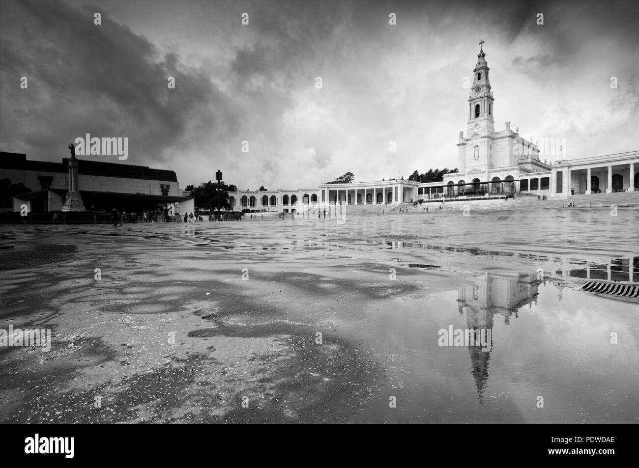 Fatima Ansicht mit Reflexion über das Wasser nach dem Regen Stockbild