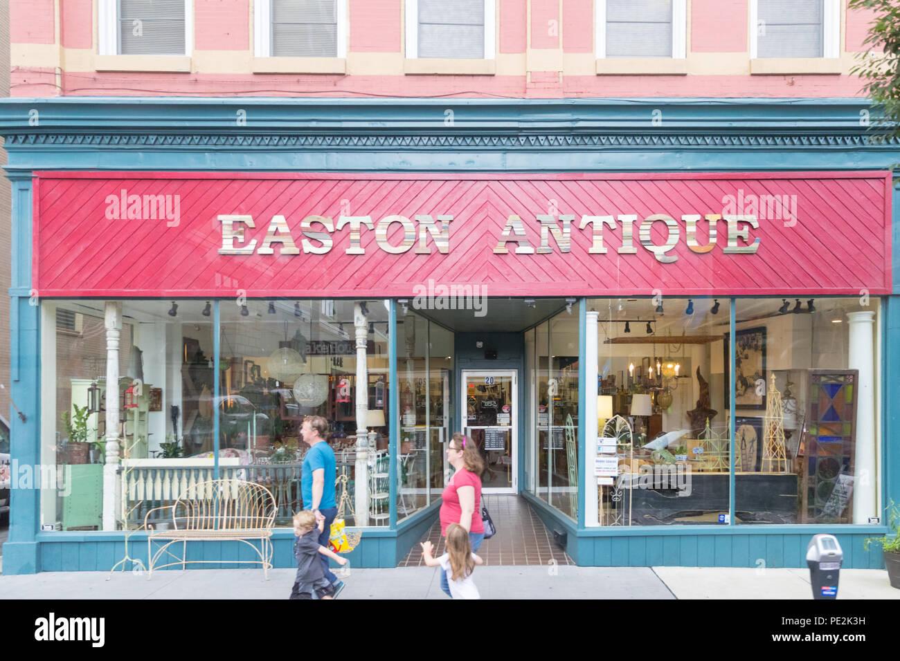 Easton Pa 11 August 2018 Easton Antique Store Front Passieren