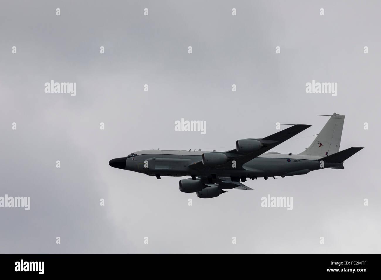 Eine RC-135 W Nietverbindung RAF elektronische Überwachung Flugzeuge für die RAF 100 flypast über London fliegen. Stockbild