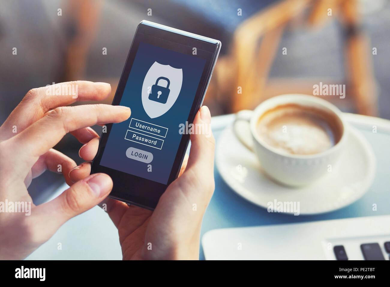 Login mobile App, Cybersecurity, privaten Zugang mit Benutzername und Passwort zu personenbezogenen Daten, Konzept auf dem Bildschirm des Smartphones Stockbild