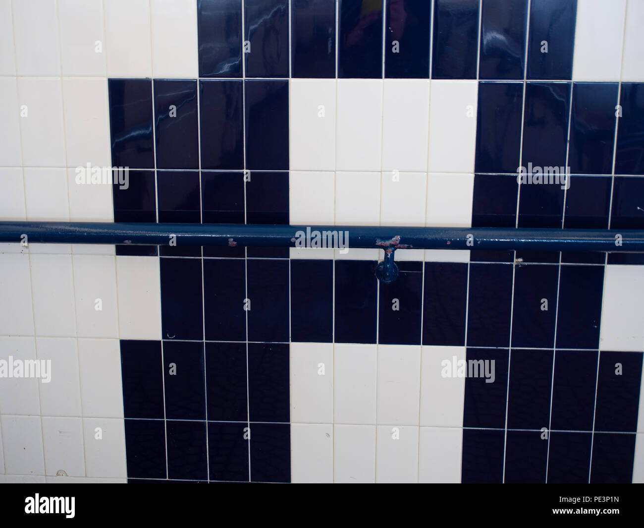 Beliebt Fliesen Muster Stockfotos & Fliesen Muster Bilder - Alamy KT97