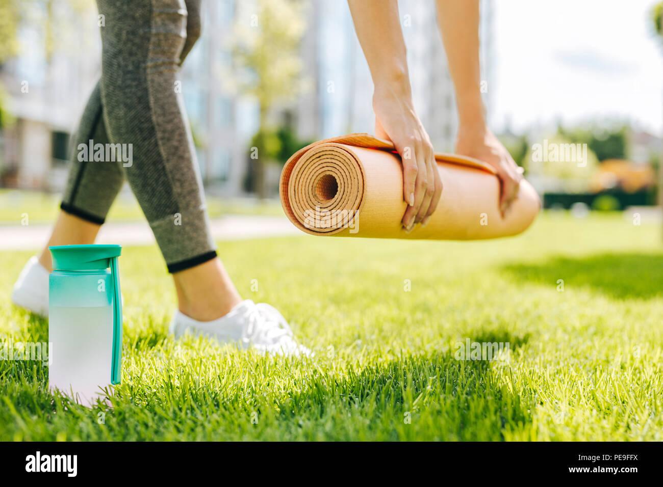 Selektiver Fokus einer Yoga Matte Stockbild