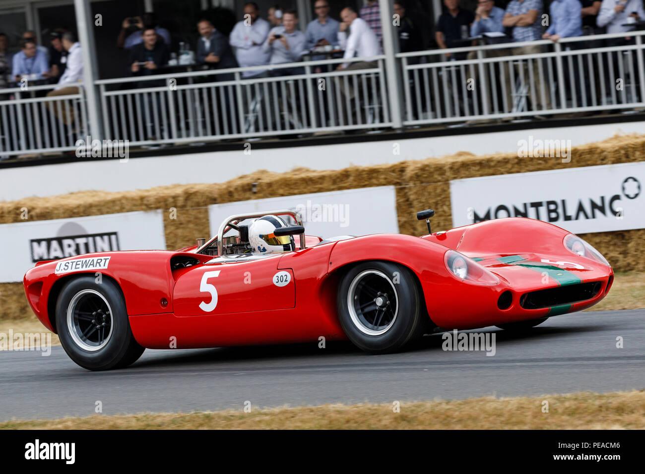 """1965 Lola-Chevrolet T70 Spyder, John Surtees"""" Sieger Auto, von Tony Sinclair am Goodwood Festival 2018 von Geschwindigkeit, Sussex, UK. Stockbild"""