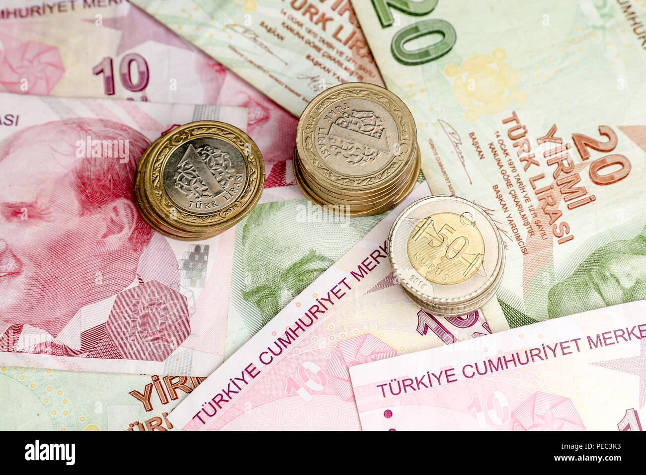 Verschiedene Türkische Lira Banknoten Und Münzen Bündel Stockfoto