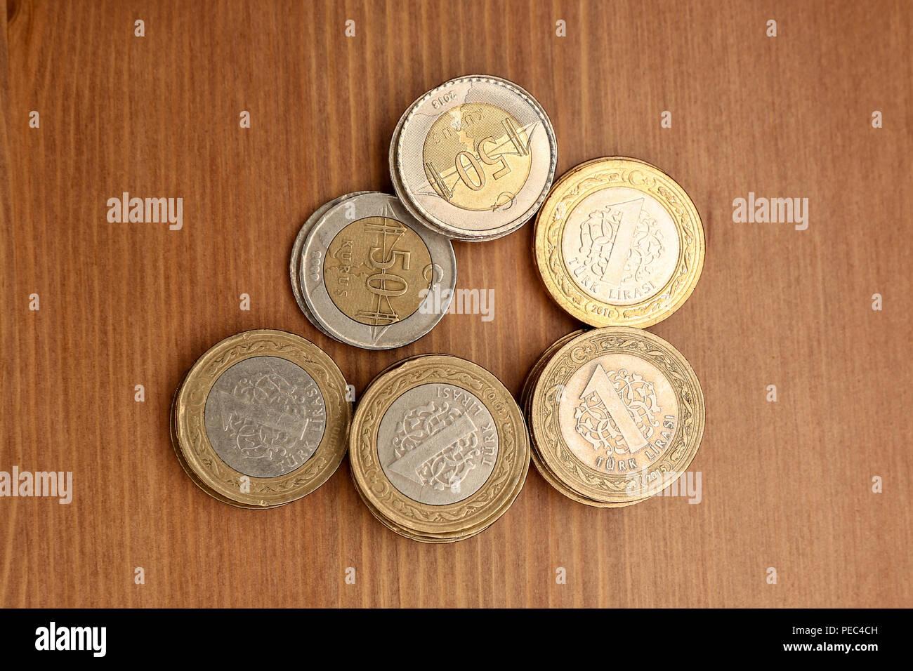 Verschiedene Türkische Lira Münzen Bündel 50 Kurus Und 1 Lira
