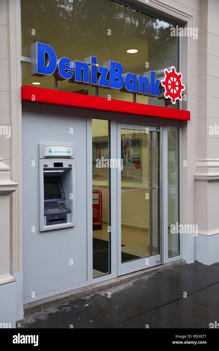 Wien 5 September Deniz Bank Filiale Am 5 September 2011 In Wien