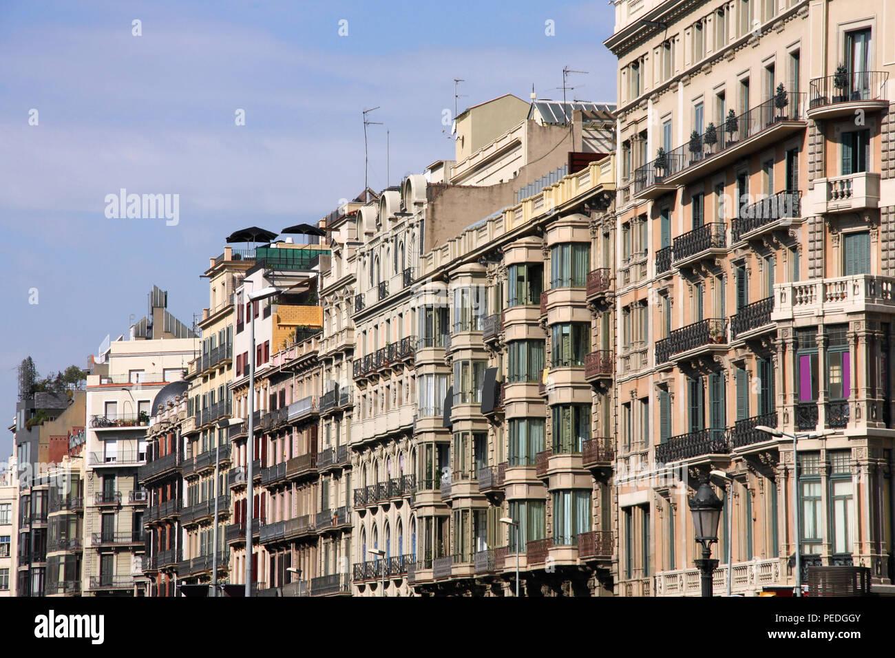 Modernes Apartment Gebäude in Barcelona, Spanien. Wohn ...