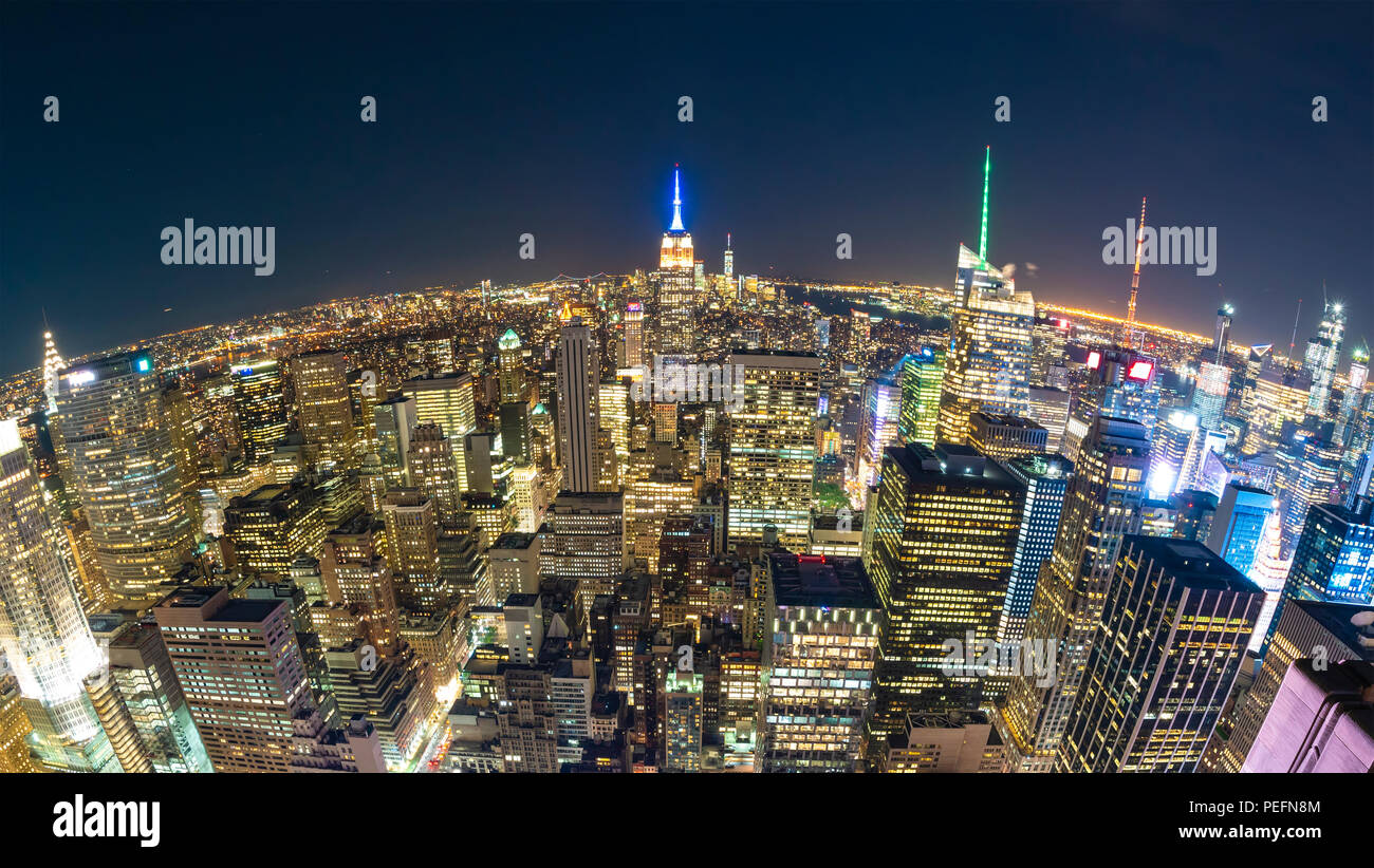 New York City bei Nacht, Fischaugenobjektiv Stockfoto