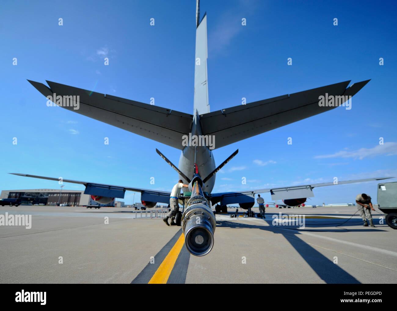 Flieger Ab Der 22 Aircraft Maintenance Squadron Hydraulik Shop überprüfen  Sie Die Hochkonjunktur Von Einer KC