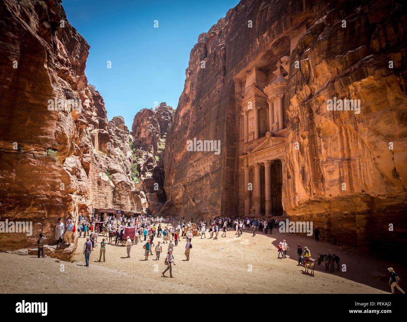 Die Schatzkammer Gebäude finden Sie in der verlorenen Stadt Petra, Jordanien Stockbild