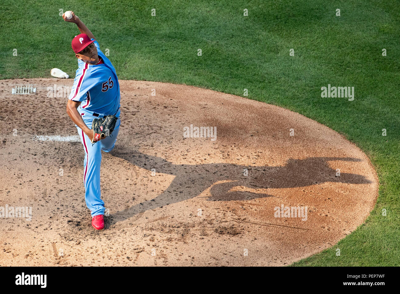 Philadelphia, USA. 16. Aug 2018. August 16, 2018: Philadelphia Phillies Krug Ranger Suarez (55) wirft einen Pitch während der MLB Spiel zwischen den New York Mets und Philadelphia Phillies am Citizens Bank Park in Philadelphia, Pennsylvania. Christopher Szagola/CSM Credit: Cal Sport Media/Alamy leben Nachrichten Stockbild