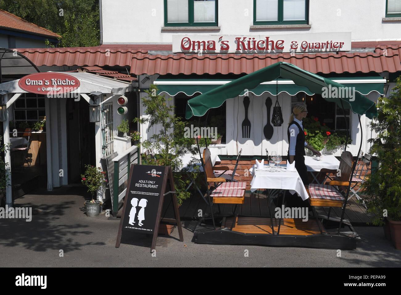 16.08.2018, Mecklenburg-Vorpommern, Binz: ein Schild mit der ...