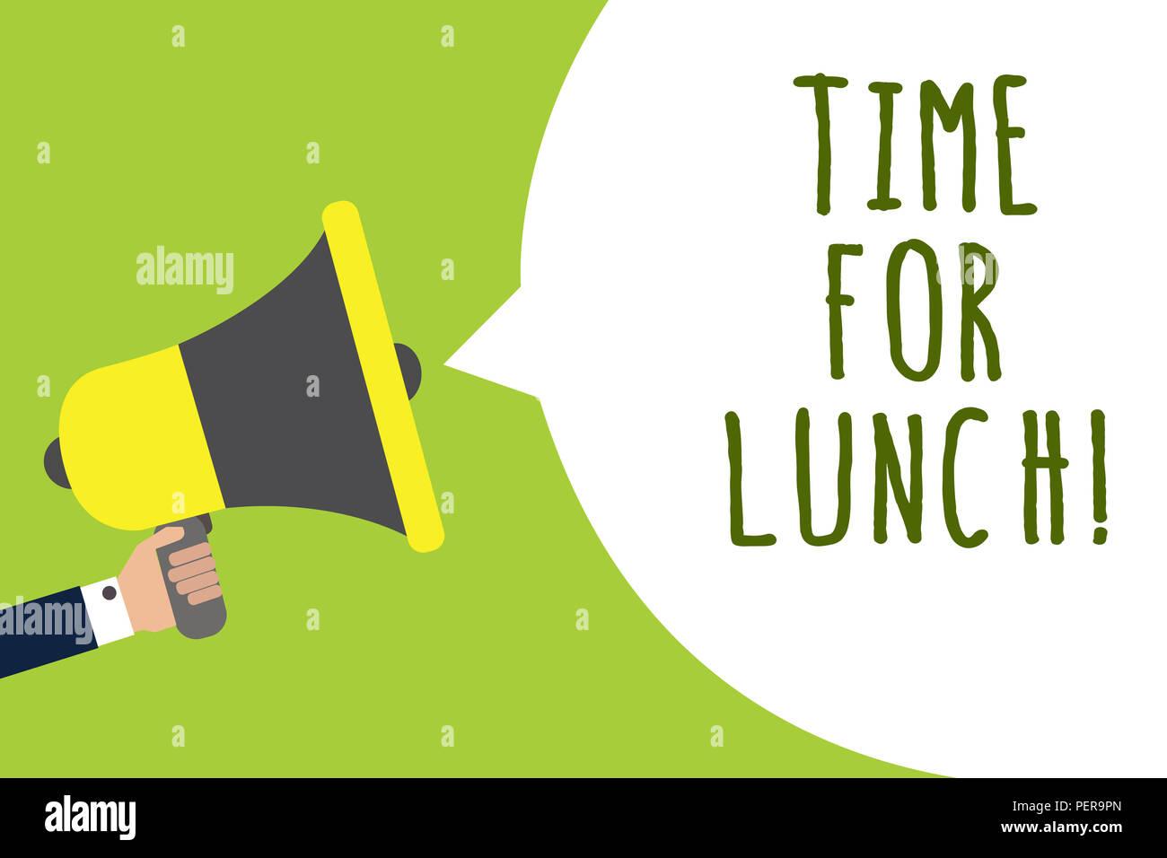 Konzeptionelle Hand schreiben Zeit für das Mittagessen. Business Foto präsentiert derzeit eine Mahlzeit Pause von der Arbeit entspannen Essen trinken rest Mann hält der Blick Stockbild