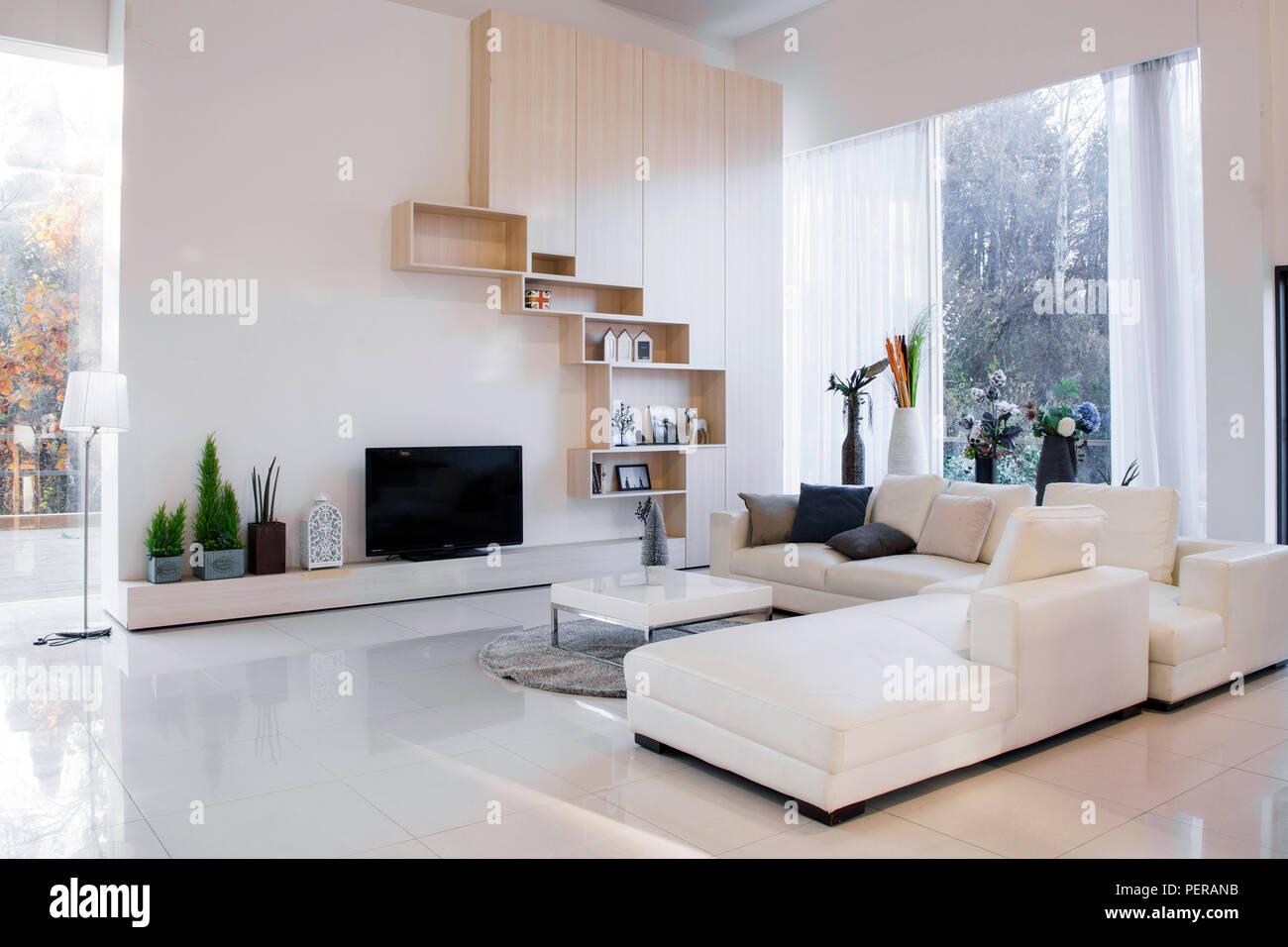 Moderner Raum Interieur design Foto. Wohnzimmer ...