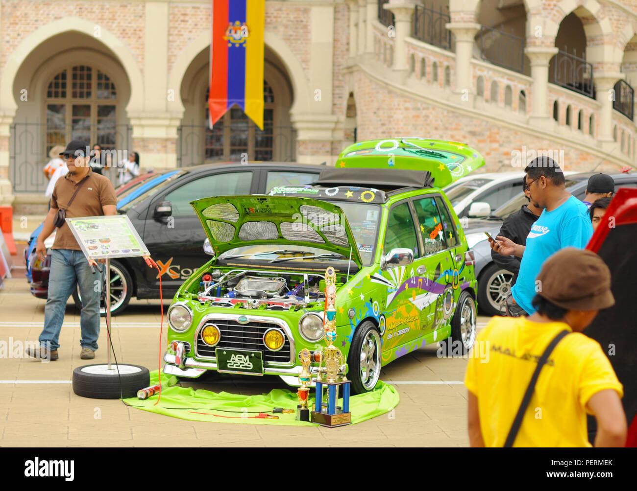 Lustige Green Car auf der Autoshow in Kuala Lumpur Stockbild