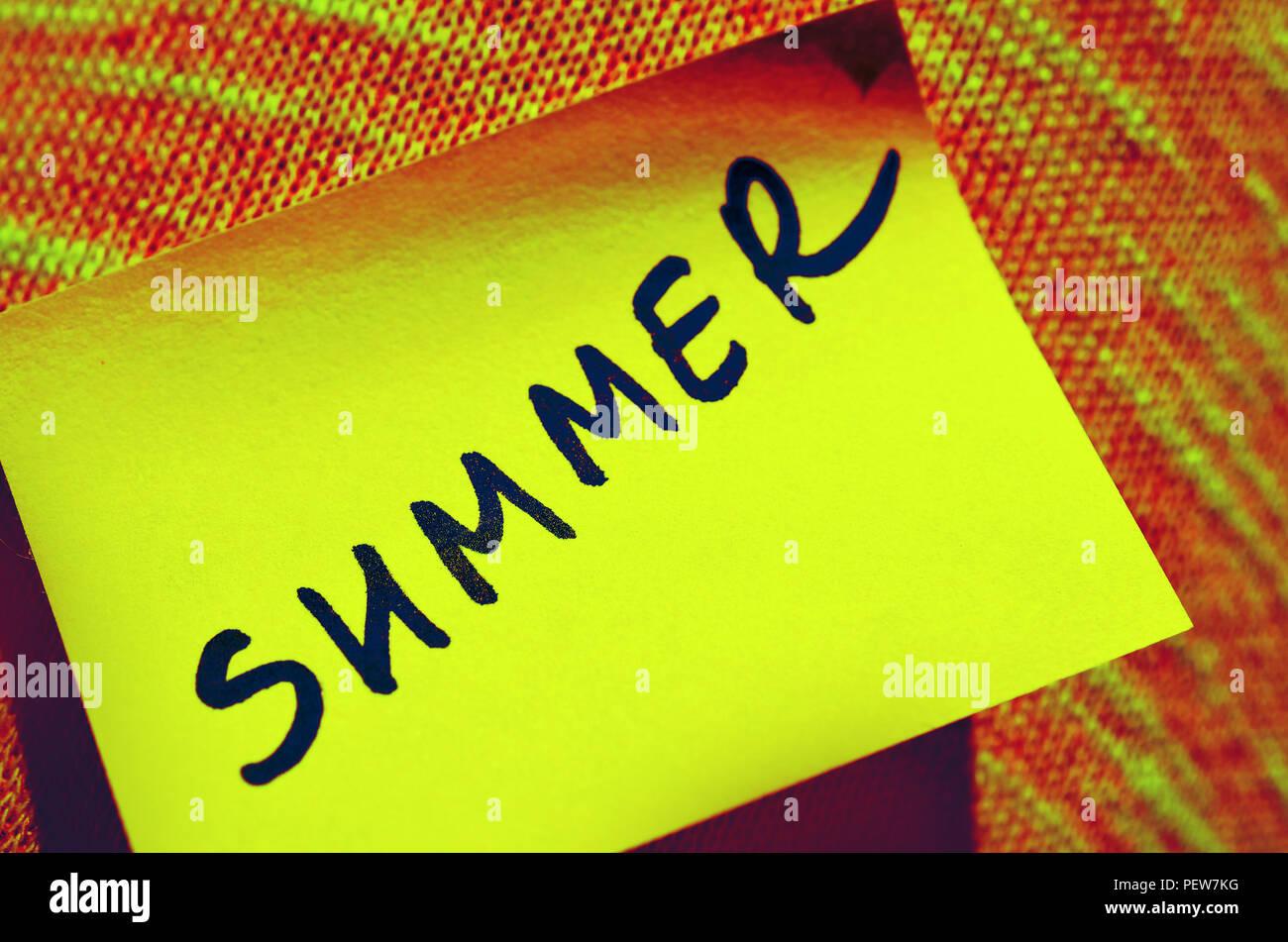 Gelber Aufkleber Mit Text Beschriften Beschriftung Sommer