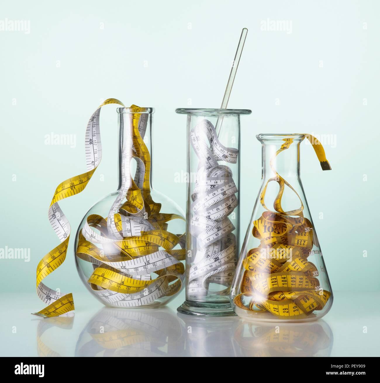 Laborglas mit Klebeband Maßnahmen. Stockbild